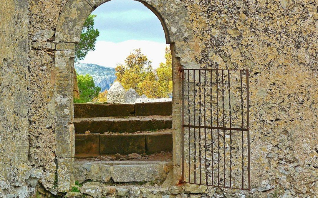 Les avantages d'un portail sectionnel en aluminium